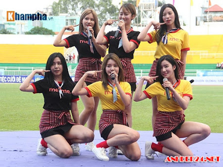 Dàn hot girl Hàn đốn tim khán giả trên sân Thống Nhất
