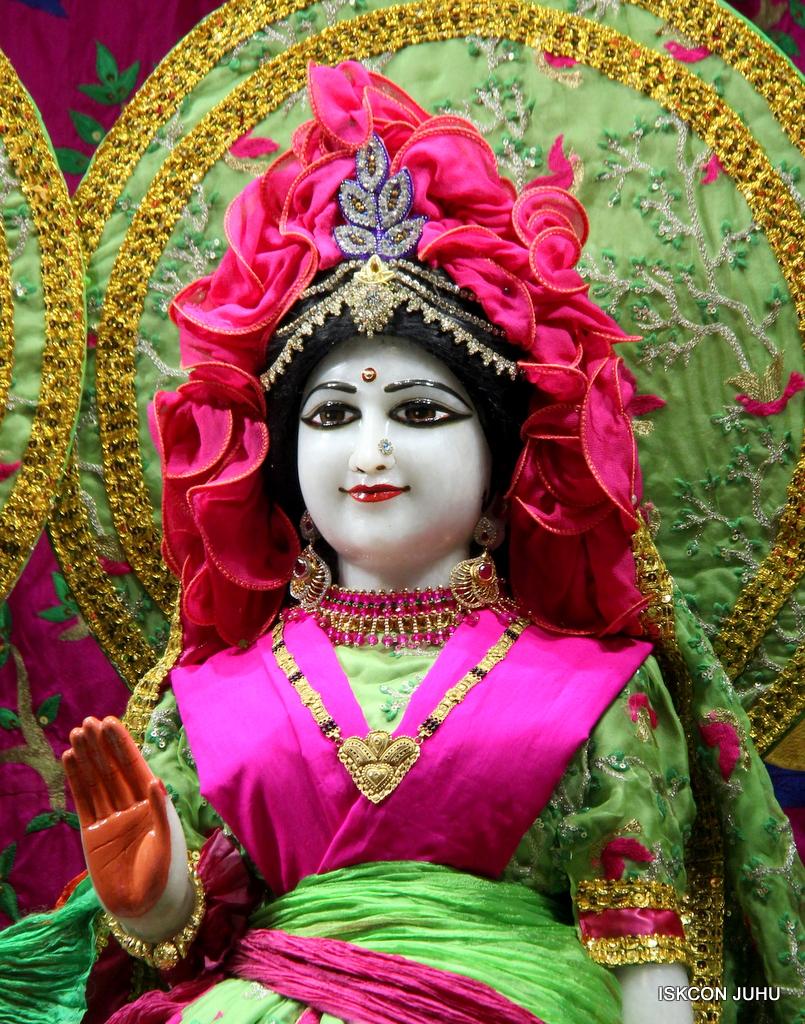 ISKCON Juhu Mangal Deity Darshan on 23rd Oct 2016 (19)