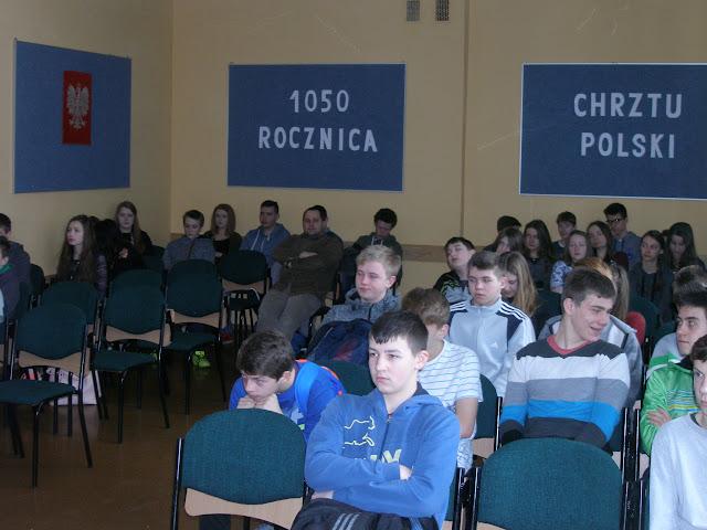 1050 ROCZNICA CHRZTU POLSKI W ZS NR 2 W DUKLI - 19.JPG