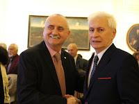16 Boráros Imre gratulál Dunajszky Gézának.jpg