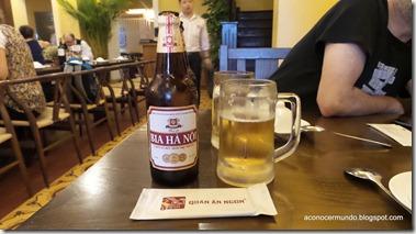 Hanoi. Nuestra primera cerveza en Vietnam