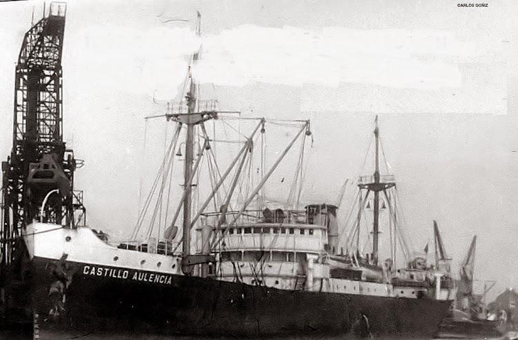 Puerto de Carboneras.Foto cortesia Luis Manzanares cuyo padre fue porimer maquinista en dicho buque en el año 1932. De la web Shipspotting.com.jpg