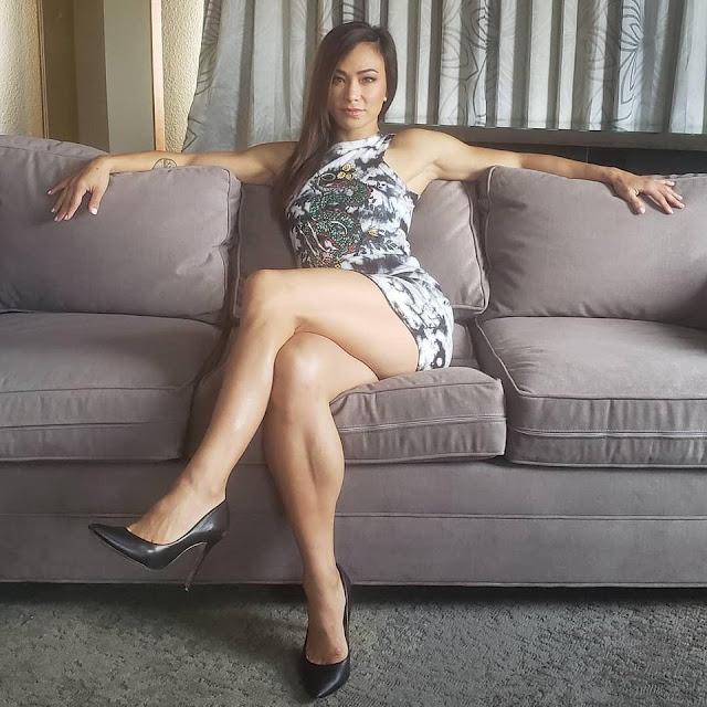 Women Sexy Crossed Leg