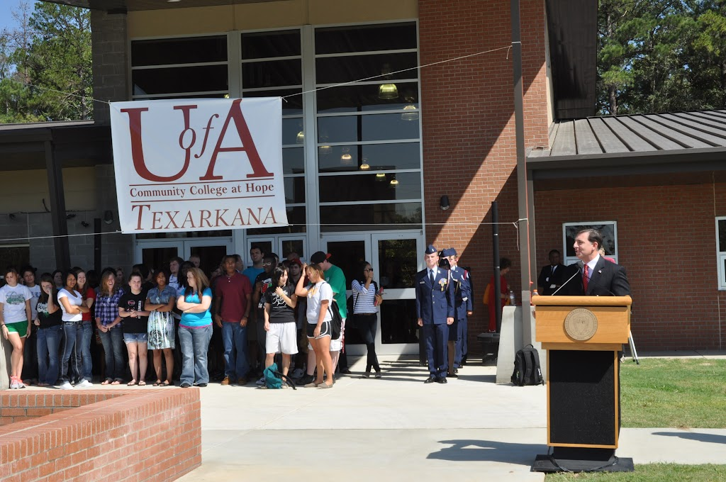 UACCH-Texarkana Ribbon Cutting - DSC_0355.JPG