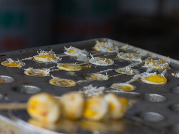 photo of quail eggs cooking