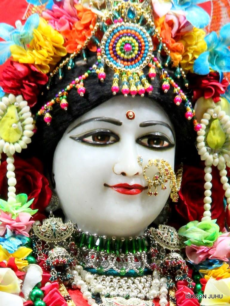 ISKCON Juhu Sringar Deity Darshan on 28th Aug 2016 (20)
