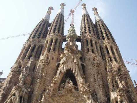 """Gaudí, Sagrada Familia"""" width="""