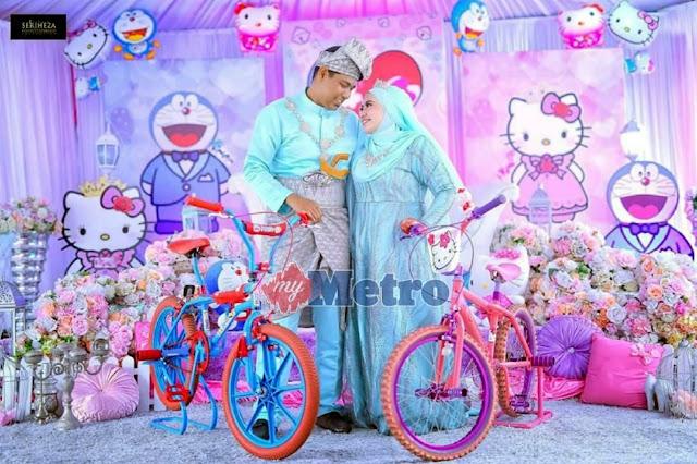 'Doraemon kahwin dengan Hello Kitty'