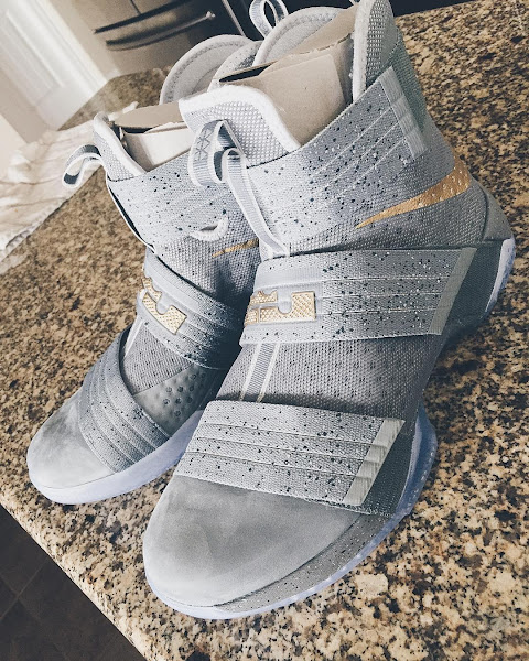 Premium Battle Grey Look Decorates the LeBron Soldier 10