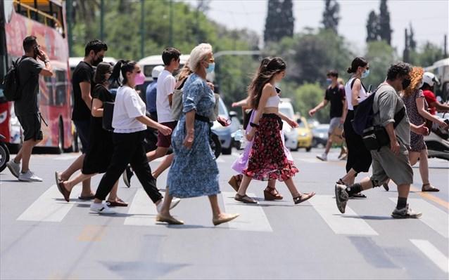 Κορωνοϊός: Απαισιοδοξία των Ελλήνων για την οικονομία - Οι μισοί δεν θα πάνε διακοπές
