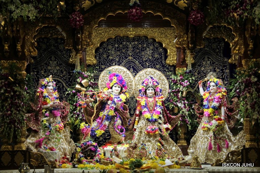 ISKCON Juhu Sringar Deity Darshan on 25th August 2016 (74)