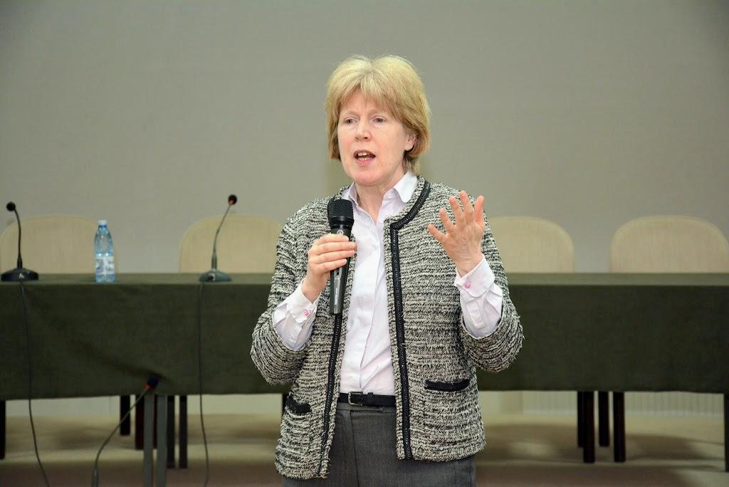 Antonia Tully - Educatia sexuala in Marea Britanie 057