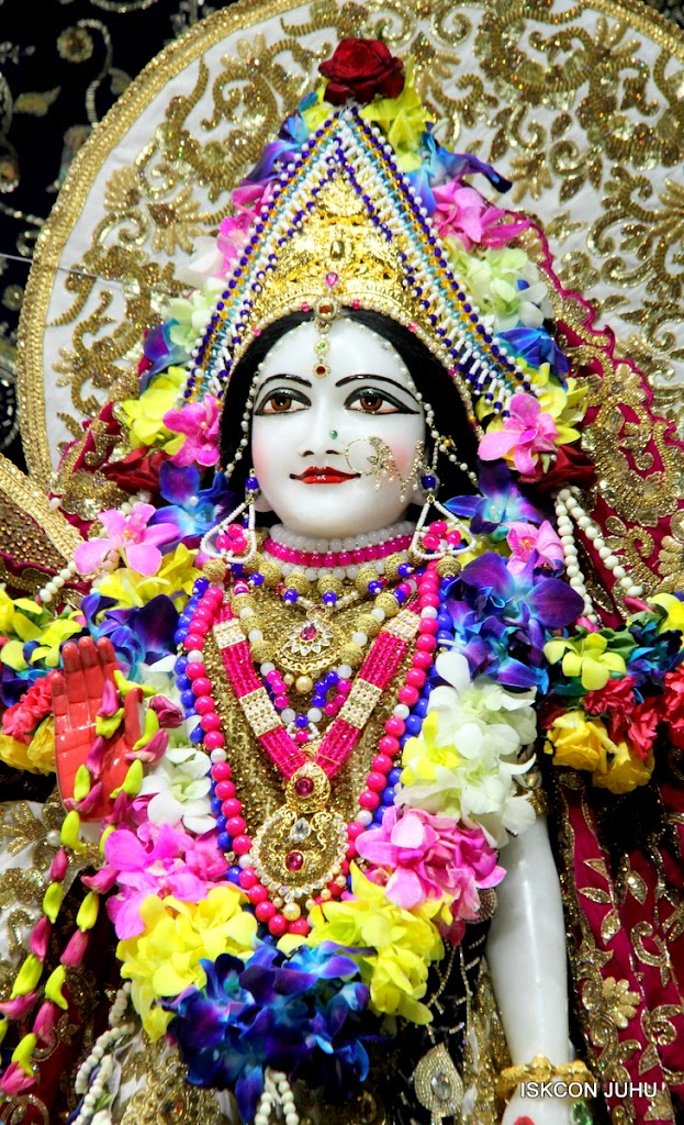 ISKCON Juhu Sringar Deity Darshan on 25th August 2016 (20)
