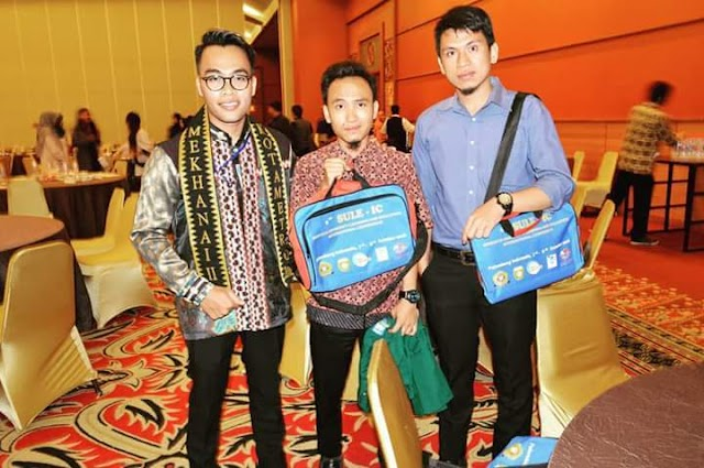 Students of English Education Departement Become Presenter on International Conference