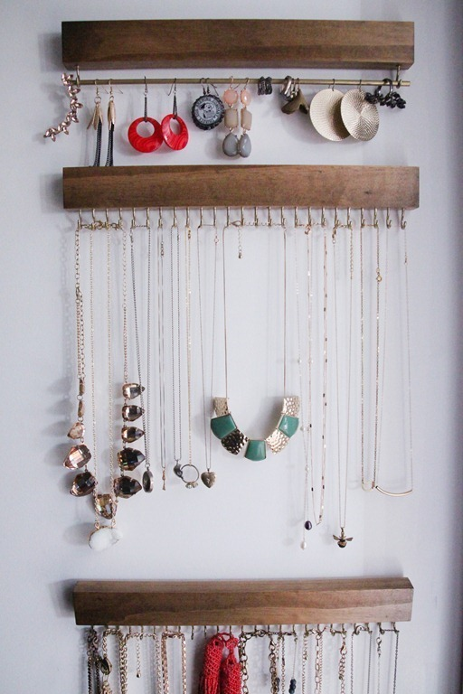 Closet-Jewelry-Holder-4_thumb