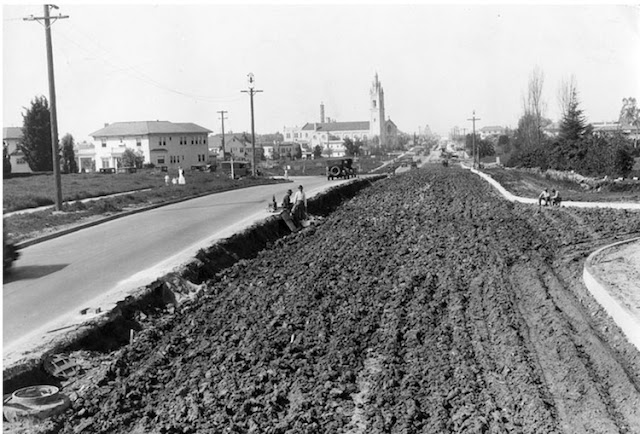 Historic Photos - Wilshire%253Aconstruction1928.jpg