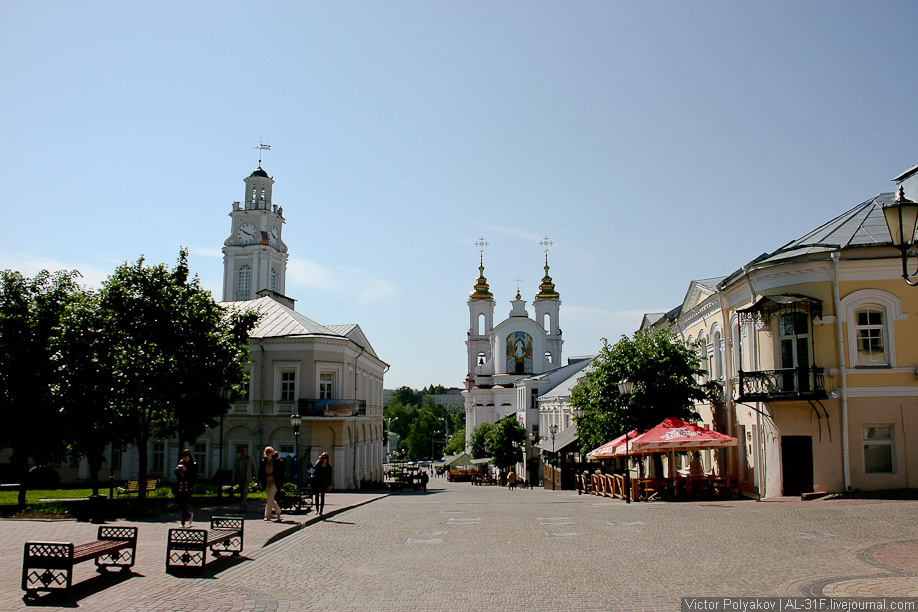 Витебск. Ратуша и Воскресенская церковь