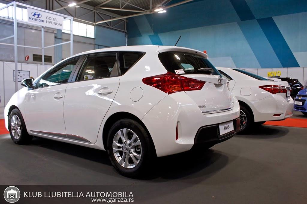 Toyota Auris-02