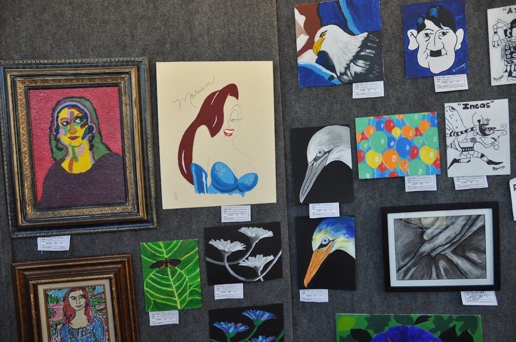 Student Art Exhibit Fall 2011 - DSC_0069.JPG