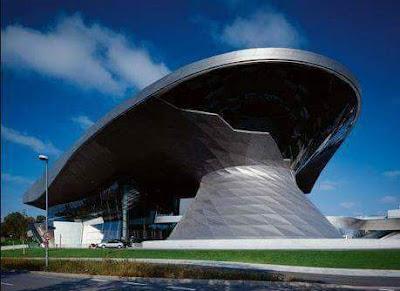 من تصميم المعمارية زها حديد