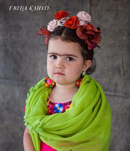 Disfraz de Frida Kahlo niña
