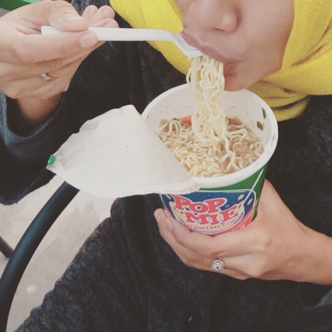 maniak-makan-makan-pop-mie-bukit-sekipan-tawangmangu-solo