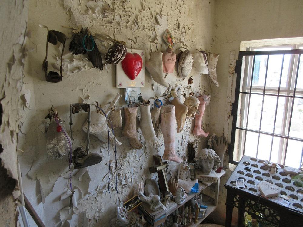 st-roch-shrine-prosthetics-9