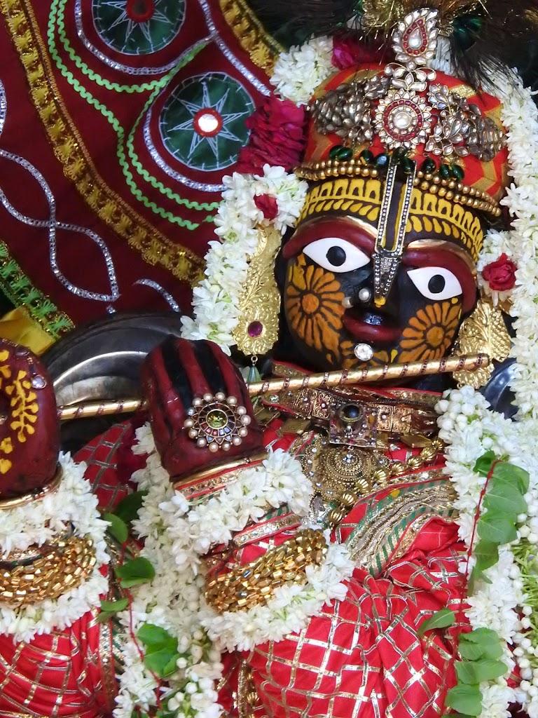 Radha Govind Devji Deity Darshan 16 August 2016 (23)