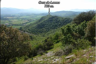 Cruz de Larrea visto durante el descenso de Aldaia