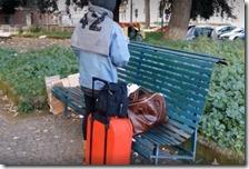 Un senzatetto a pochi passi dall'ospedale Cardarelli