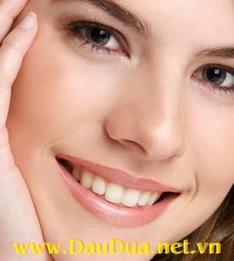 Tinh dầu dừa giúp bạn có nụ cười tự tin và hơi thở thơm tho
