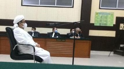 Permintaan HRS ke Tito di Mekah: Denny Siregar dkk Dihukum Seperti Ahok