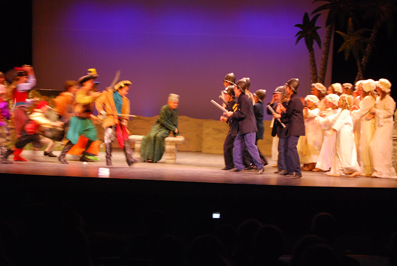 2012PiratesofPenzance - DSC_5948.JPG