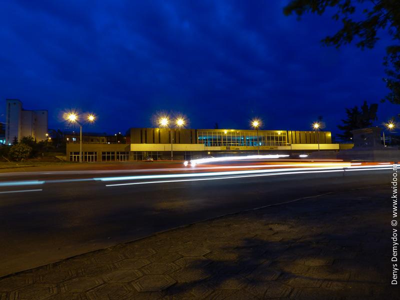 ЖД вокзал Кутаиси ночью