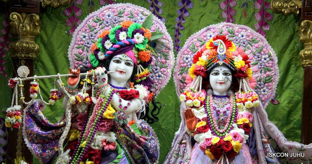 ISKCON Juhu Deity Darshan on 20th Oct 2016 (8)