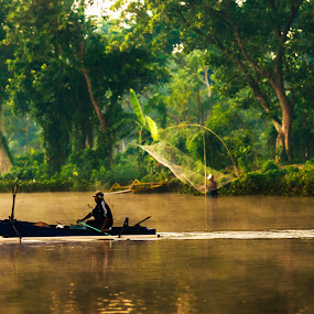 Seize the day by Alexander Nainggolan - People Portraits of Men ( nature, batu jai, human interest, morning, fisherman )