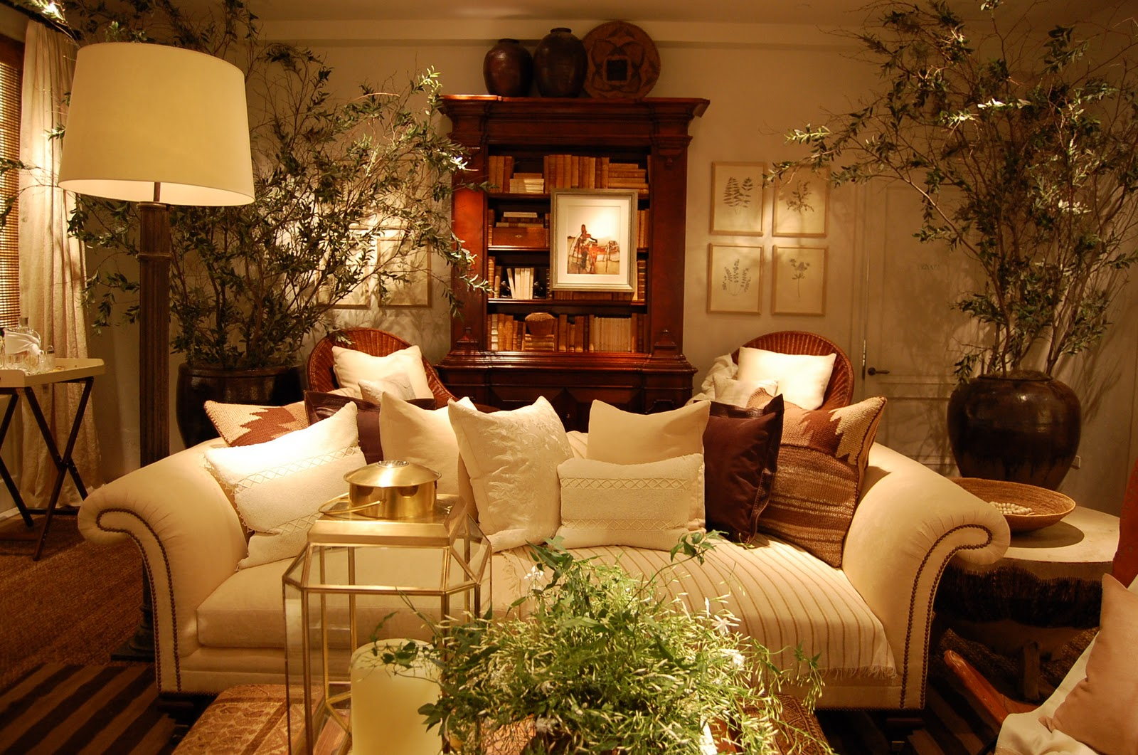 Chic soiree and spring at ralph lauren ellegant home design - Home interiors living room ...