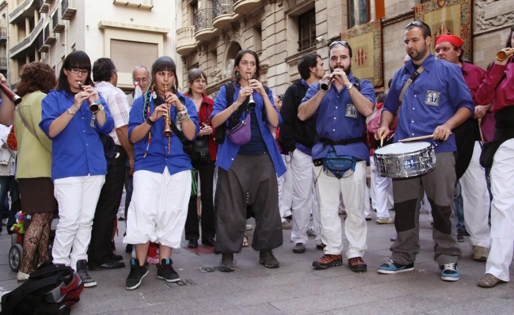 Aniversari Castellers de Lleida 16-04-11 - 20110416_196_grallers_CVdG_XVI_Aniversari_de_CdL.jpg