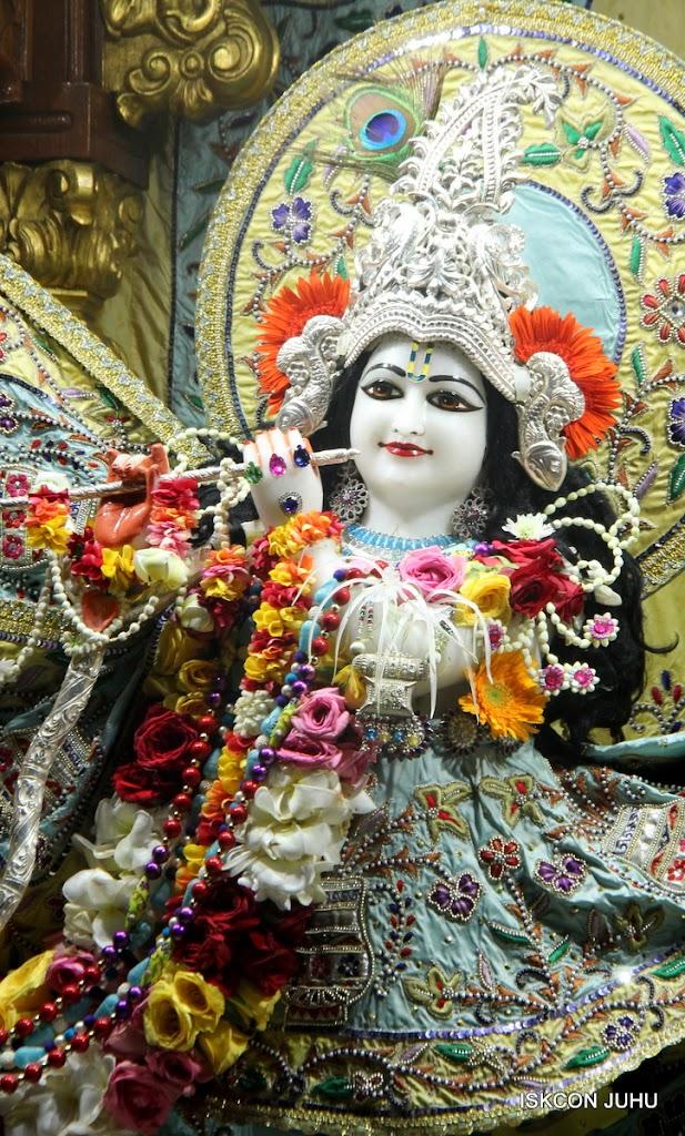 ISKCON Juhu Sringar Deity Darshan on 3rd Aug 2016 (16)