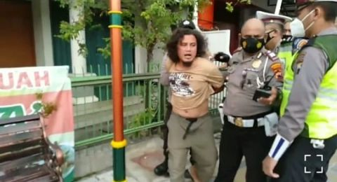 Pukul Polisi Saat Operasi, Pria Gondrong Asal Solo Ini Berakhir Ngenes
