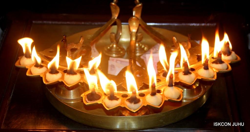 ISKCON Juhu Mangal Deity Darshan on 28th June 2016 (14)