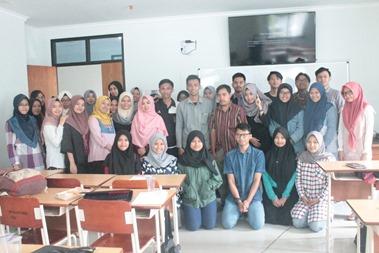 Penulis bersama peserta upgrading lesson