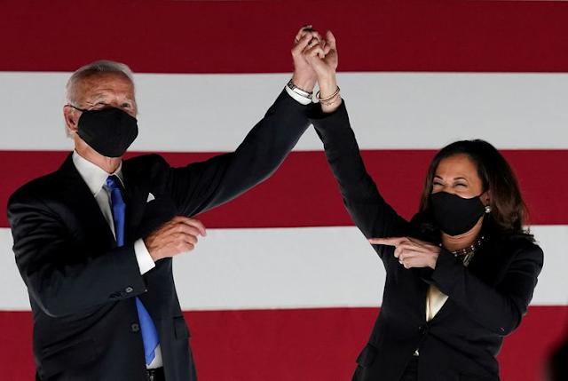 Joe Biden e Kamela Harris tomam posse em uma cerimônia virtual para poucos convidados - Reuters/Kevin Lamarque/Direitos Reservados