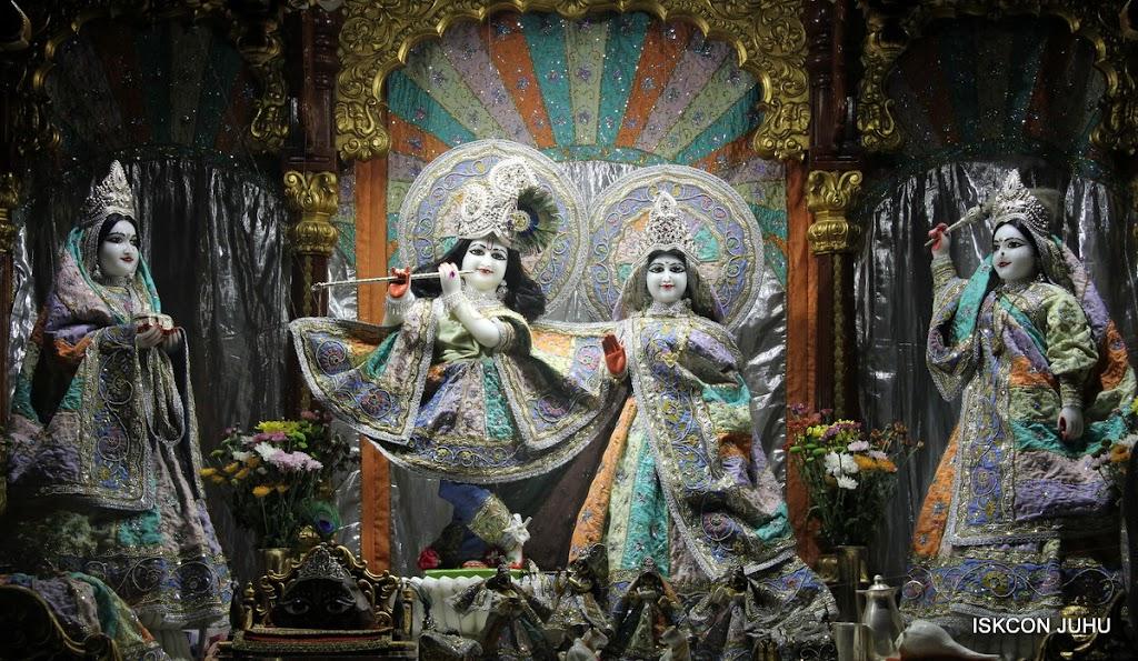 ISKCON Juhu Mangal Deity Darshan on 29th April 2016  (18)