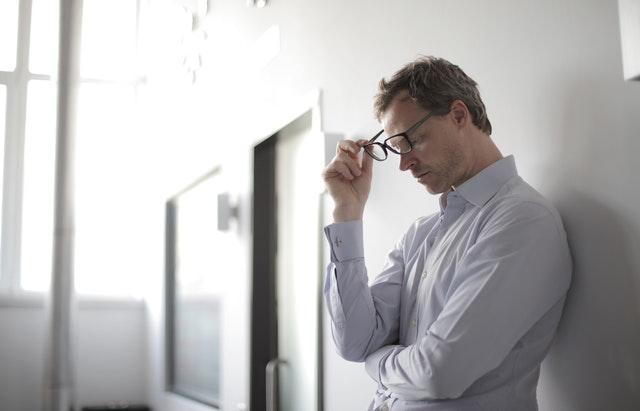pengertian overthinking yaitu tidak fokus terhadap penyelesaian masalah