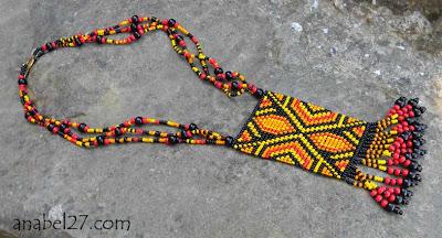 этнический кулон из бисера яркой расцветки Anabel
