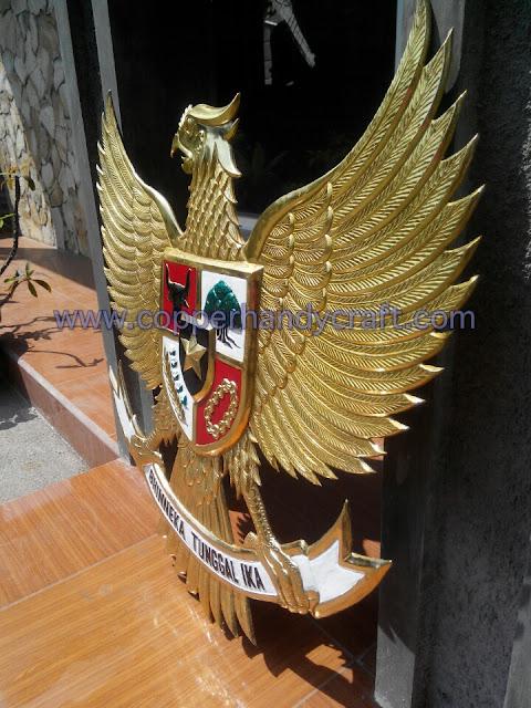 kerajinan logo garuda kuningan 3dimensi