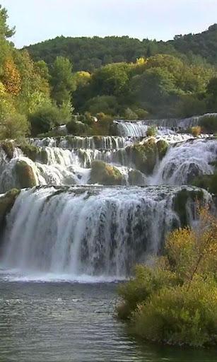 美丽的瀑布 Měilì de pùbù