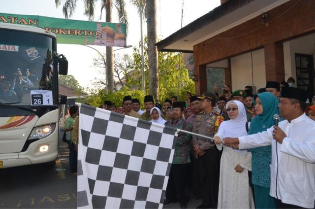 Terganjal Visa, Keberangkatan 28 CJH Kabupaten Mojokerto Tertunda