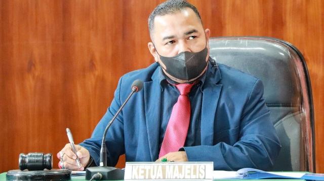 Soal Surat Minta Sumbangan Bertandatangan Gubernur, Mahyeldi Jangan Ngacir dari Kejaran Pers